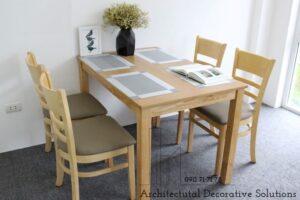 bàn ăn 4 ghế vàng